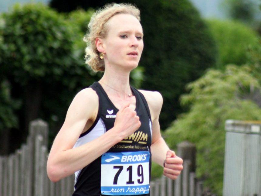 Frankfurt-Marathon: Perrin mit Bestzeit – M35-Männer gewinnen Bronze