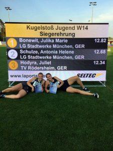 Julika Bonewit und Antonia Schulze von der LG Stadtwerke München