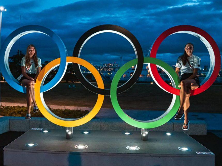Christina Hering und Katharina Trost vor 800-Meter-Vorläufen der Olympischen Spiele in Tokio